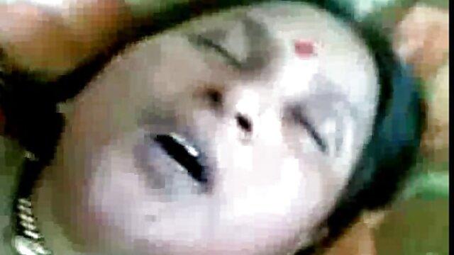 Drei Gruppen vergewaltigten einen jungen Mann super pornos kostenlos an einem Billardtisch